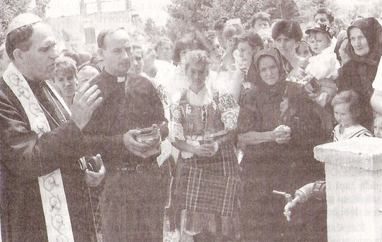 Biskup Janjić je nakon misnog slavlja blagoslovio i otvorio novi vodovod dar prijatelja Vidovica iz Danske