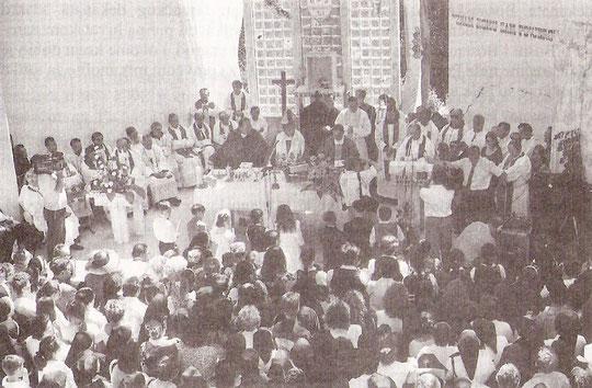 Koncelebrirano misno slavlje u svojim Vidovicama, zajedno sa sedamnaeset svećenika, predvodio je nedavno imenovani kotorski biskup mons. Ilija Janjić
