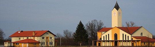 Ovako danas, u svojoj ljepoti, izgleda Crkva Sv. Josipa sa kućarom, u Gornjoj Dubici