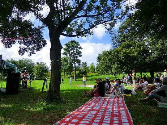 9月17日(2012) 樹の下でのコンサート(武蔵国分寺公園 ぶんぶんウォーク会場:国分寺市)