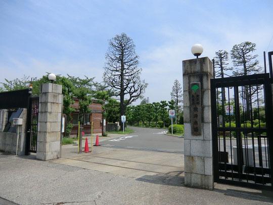 東京都水道局の境浄水場の前を通る。もちろん、中には入れない。多摩川水系を原水としているらしい
