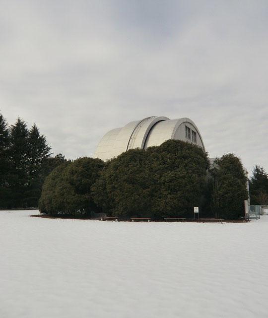 2月11日(2014) 雪の天文台:国立天文台 三鷹内の天文機器資料館