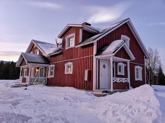 Winterurlaub in Schweden Lappland - Villa am See mit Sauna
