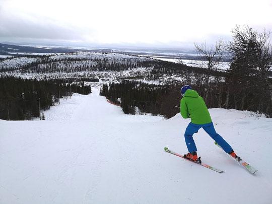 Winterurlaub in Schweden Lappland - Ski Fahren
