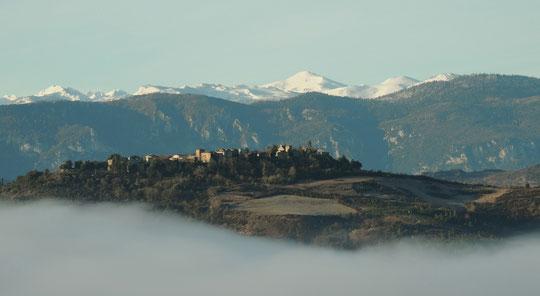 Rennes le Chateau au dessus de la brume