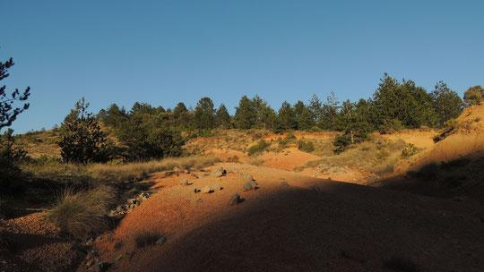 Les terres rouges à Peyrolles