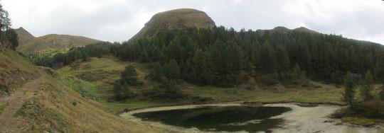 Il monte Sangiatto con uno dei suoi laghi