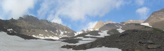 A sinistra il Corno Brunni, al centro il piccolo Gries, a destra il grande Gries