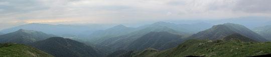 Panoramica dal monte Croce, a sinistra il Mazzuccone