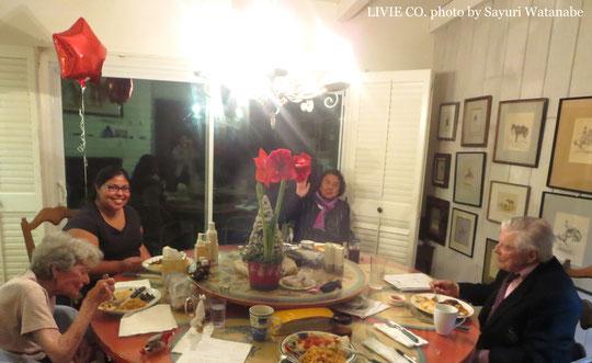 アリゾナ州ハクアハラヴァレーの開拓者、ビル&セダ オブライエンご夫妻とりびえ米DINNER🍽 美味しい!!って大変嬉しいご感想を頂きました◎ 2014年12月 アリゾナ州パラダイスヴァレーのご自宅にて 撮影: 渡邊さゆり