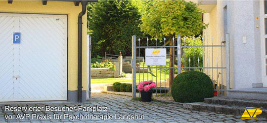 Parkplatz vor AVP, Praxis für Psychotherapie Landshut
