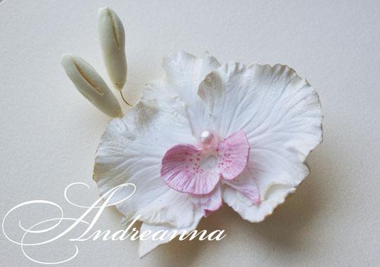 """Перламутрово-розовая орхидея «фаленопсис"""", с бутончиками, на зажиме. примерно 8-9см. Стоимость 100грн"""
