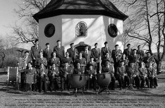 Das Elsper Corps an der Vitus Kapelle Elspe (2002)