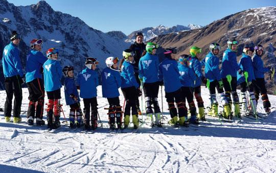 Die Renngruppe des SV Faaker See mit Dir. Horst Hackl