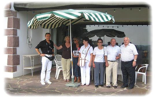 Christian Cadoppi, Françoise Lacan, Daniela, Christiane, Silvi, José y Patxi Lacan, casa de campo « Mariano-Ko-Etchea » Arcangues, septiembre 2009