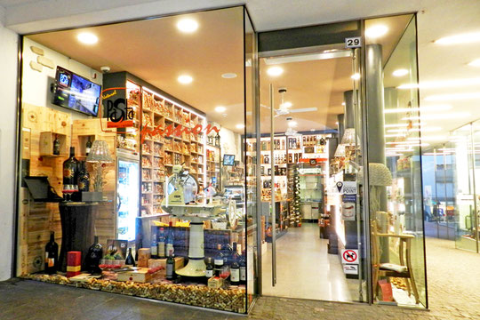 Pasta Shop Meran Merano Delikatessen Öle Speck Nudeln Gourmet Südtirol Alto Adige