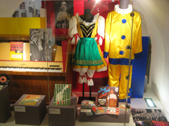 und noch mehr bekannte Kostüme