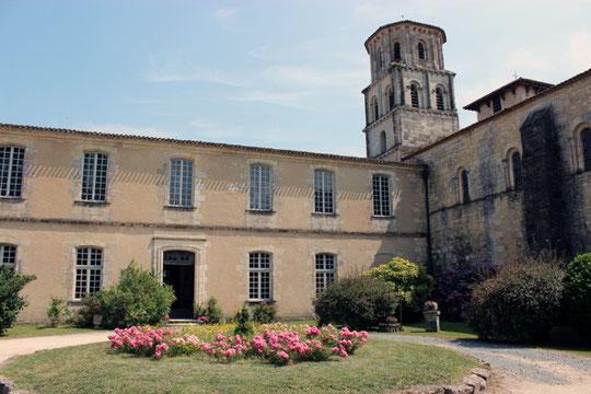 Abbaye de Vertheuil (médoc)