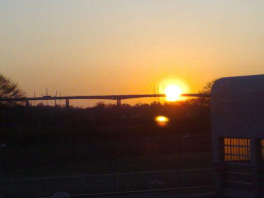 Rader Hochbrücke 5:55 / 23.04.08