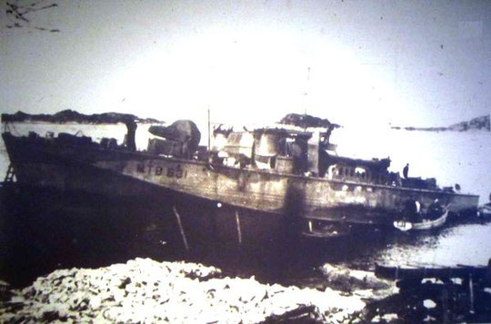 """""""MTB 631"""" aufgelaufen bei Florø 1943 - Foto: aus dem KTB Marineoberkommando Norwegen"""
