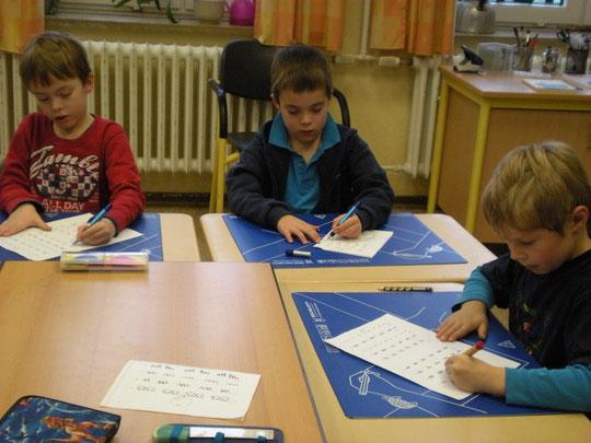 Auffrischung und Stabilisierung der linkshändigen Schreibhaltung
