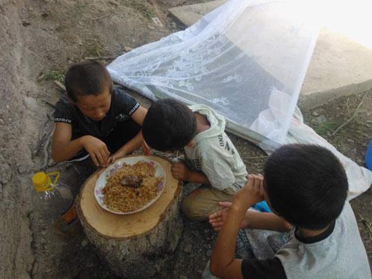 Kinder aus der Nachbarschaft dürfen mitessen