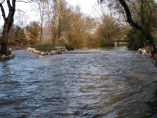 Fonctionnement de la rivière de contournement à 8 fois le module soit 18m3/s