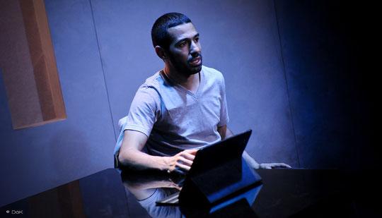 """Helmi DRIDI dans """"à nu"""" Mise en scène et Adaptation MARC SAEZ"""