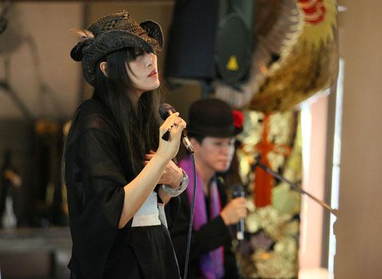 《アネモネ×黒色すみれ~睡蓮に寄せてin總寧寺 vol.2~》 2013.10.6/撮影:cojicoji
