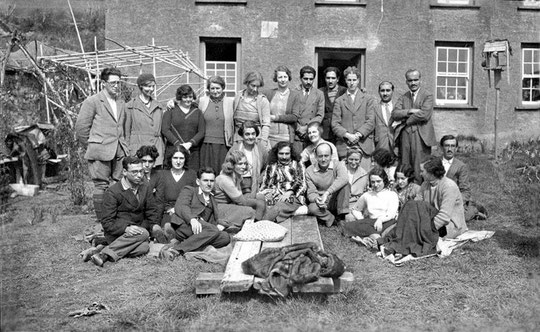 MSI Collection : 1931 East Challacombe, England - Delia is seated on the right