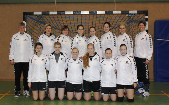 1.Damen - Saison 2014/15 - in neuen Trainingssjacken - vielen Dank an Karen Ruschmeyer