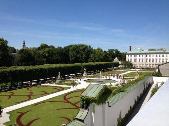 モーツアルティウム国立音楽大学の屋上から見たミラベル宮殿