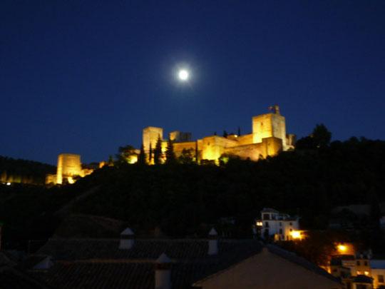 世界遺産アルハンブラ宮殿の夜景