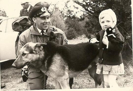 Een echte politiehond met Kerstin!