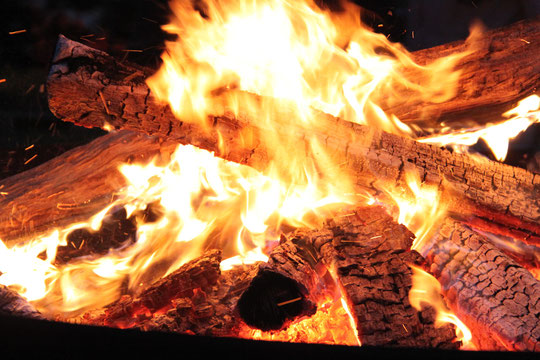 Rituelles Feuer von Gabi Riede
