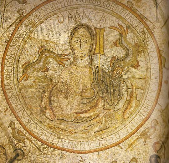 Madaba,Apostelkirche,Personifikation des Meeres im Mosaikboden.