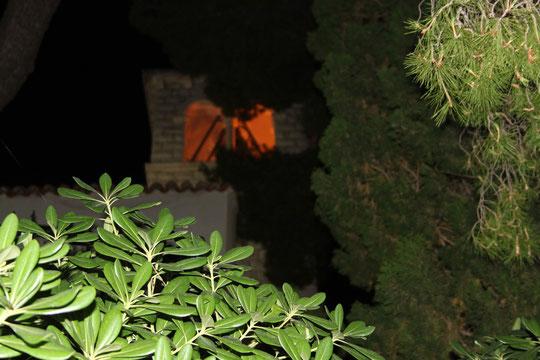 Die Kirche von Mlini in der Nacht.