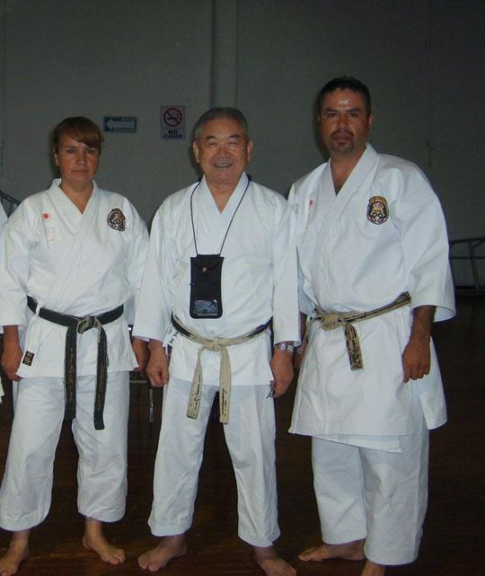 Profa. Lourdes Luna, Shihan Takayuki Mikami, y Prof. Ruben Luna seminario (JKA-WF) 2009