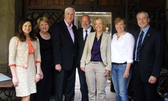 Emma Phelan, Marie Collins, Botschafter Michael Collins, Matthias Fleckenstein, Claudia Mehling, Sabine Balthasar, Peter Wimmer (Mai 2014)