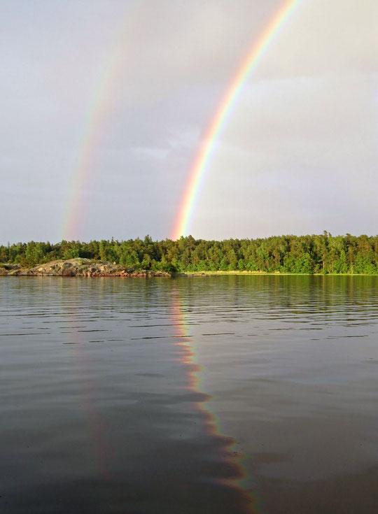 Juni 2011, Regenbögen in den schwedischen Schären