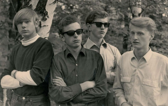 v.l.n.r.: Volker Rebell (voc, g), Nils Selzer (voc, g), Rudi Marshall (b), Karl Peter Köhler (dr)