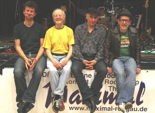 The Fratermen 2012, v.l.n.r.: Thomas Langer (g), Evert Fraterman (dr), Uwe Gaasch (voc, harp, perc), Norbert Schoepa (b) (Foto: Klaus Faust)
