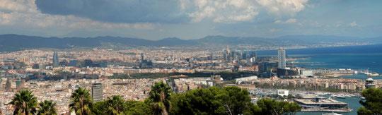 Blick von der Festung Montjuic über die Stadt