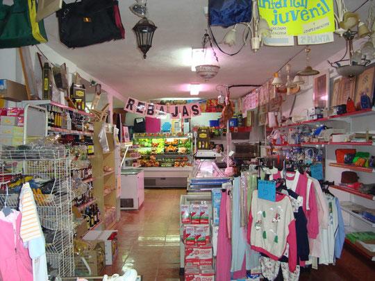 """Supermercado y Artículos de Regalo """"ANGELINA"""" (Grupo ALSARA) en Mesas del Guadalora."""