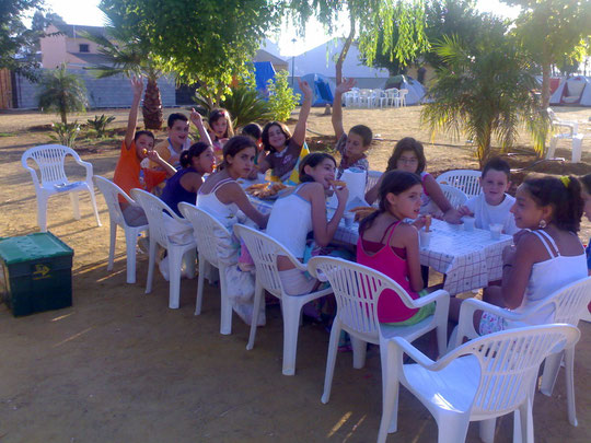 Desayuno con Churros y Chocolate en la ACAMPADA 2009