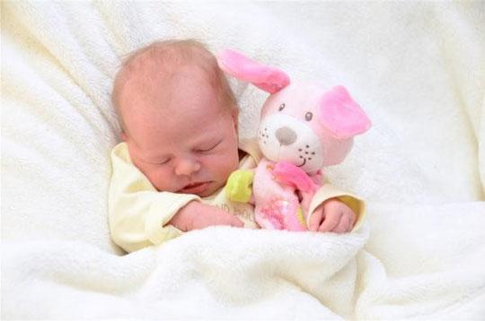 Einen Anruf kann Dich so glücklich machen. Raphaela Schratzberger 25.11.13   http://www.babygalerie24.at/feldkirch/babygalerie/baby/b10530107.html