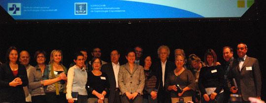 directeurs des écoles de sophrologie caycédienne autour de Natalia Caycédo lors du 1er symposium à Sitgès 2010