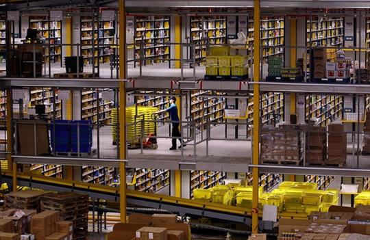Dans un entrepôt d'Amazon