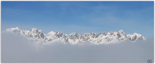 Nebel im Tal ─ sonniger Wilder Kaiser