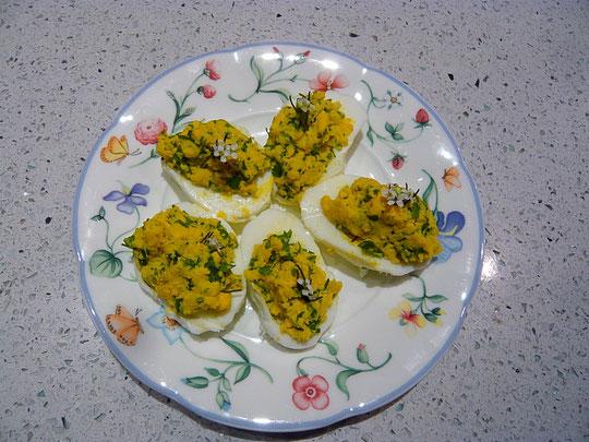 gefüllte eier mit knoblauchsrauke
